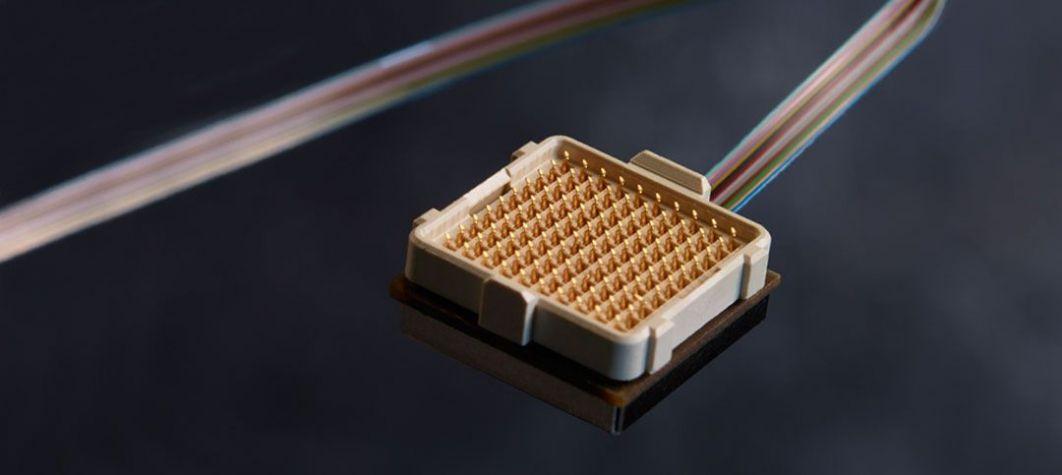 Émetteur-récepteur optique actif de la marque Radiall D-Lightsys®, une solution d'interconnexion optique haute performance