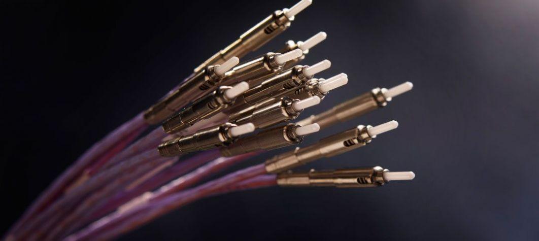 Voir les connecteurs optiques de Radiall, les solutions d'interconnexion optique, les connecteurs de fibre optique, les connecteurs de fibre optique, les connexions de fibre optique