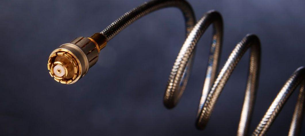 Découvrez les connecteurs coaxiaux, les assemblages de câbles, les composants hyperfréquences et les commutateurs ici.