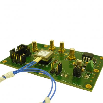 Cartes d'évaluation et outillage avec boîtier enfichable pour module D-light