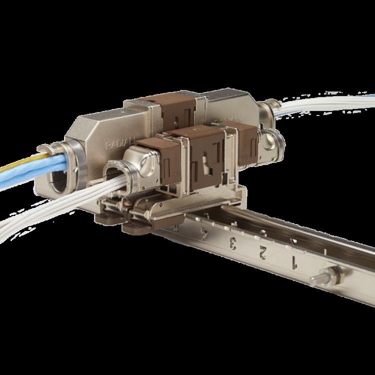 Les connecteurs rapides QM sont dotés d'un système de verrouillage à glissière unique
