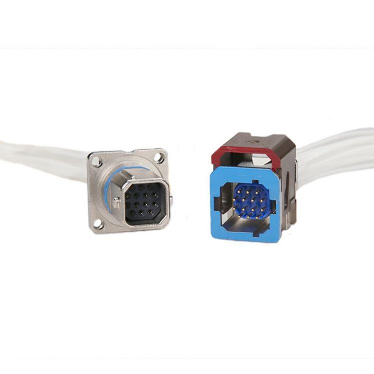 Les connecteurs miniatures ont été introduits comme un nouveau format pour les connecteurs multipôles