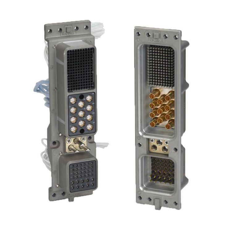 Une gamme de connecteurs de rack et de panneau comprenant des solutions RoHS rapides et économiques